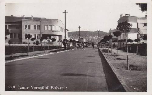 Izmir-Vorosilof-Bulvari.jpg